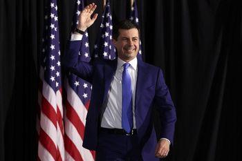 شگفتی در اولین ایستگاه انتخاباتی آمریکا؛ «پیت بوتیجِج» پدیده جدید دموکراتها کیست؟