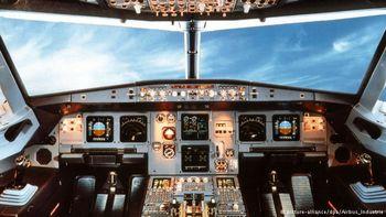 هشدار به خروج خلبانان از کشور
