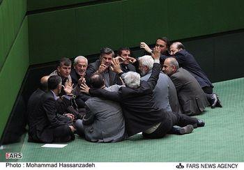 کارت های زرد روحانی بیشتر از احمدی نژاد