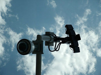 خودرویی برای فرار از دوربین های سرعت سنج