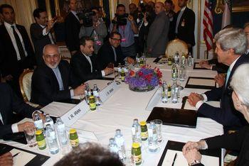 من مذاکرات محرمانه با ایران را هدایت میکردم/دولت ترامپ به دنبال تسلیم یا نابود کردن حکومت ایران است، نه توافق بهتر