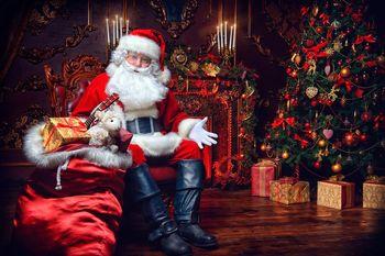 چرا لباس بابانوئل قرمز است؟