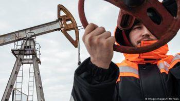 """وضعیت بازارهای جهانی نفت پس از """"توافق تاریخی"""" اوپک پلاس"""