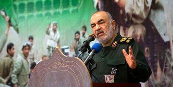 سردار سلامی: هر روز قدرتمندتر میشویم/ ملت ما در برابر دلار و طلا و یورو تردید به خود را نمی دهند