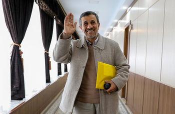 ائتلاف احمدی نژاد و آنجلینا جولی برای درست کردن وضعیت جهان/ چرا رئیس دولت بهار کارهای عجیب انجام می دهد؟