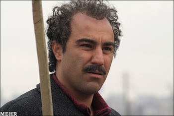 محسن تنابنده بازیگر سریال پایتخت به سوگ پدرش نشست