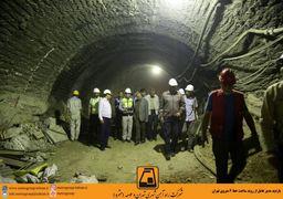 نصب پله های  برقی ها و هواسازهای ایستگاه امام حسین(ع) به پایان رسید