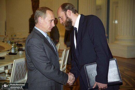 تصاویر دختران پوتین لو رفت؛خیانت در امانت رفیق گرمابه و گلستان آقای رئیس جمهور!/عکس