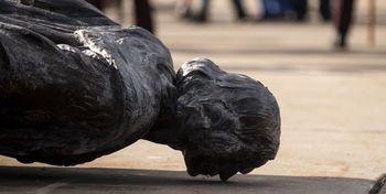 مجسمه کریستف کلمب هم سرنگون شد +فیلموعکس