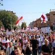 سورپرایز معترضان برای آقای رئیس جمهور/ تولدت مبارک، وطن فروش+ تصویر