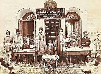 «نهادهای موازی» میراث شوم شاهان قاجار برای ایران
