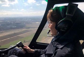 اولین و تنها خلبان زن هلی کوپتر در ایران +عکس