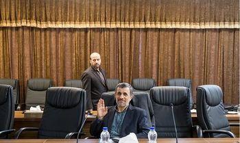 مجمع تشخیص حکم اخراج احمدینژاد را صادر میکند؟