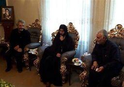 سردار سلیمانی در خانه شهید حججی  + عکس