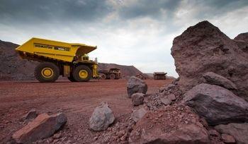 سناریوهای بازار سنگآهن برای خروج از رکود/ چشمپوشی دولت از بدهی مالیاتی معدنداران