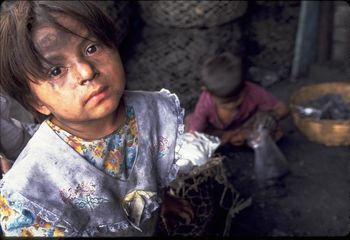 ماجرای حبس کردن کودکان کار در زیرزمین اداره بهزیستی