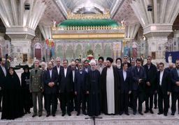 تصاویری از حضور حسن روحانی و اعضای کابینه در حرم امام خمینی