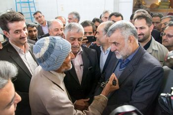بازتاب گسترده صحبت های پیرمرد طبسی با وزیر جهاد کشاورزی درباره معیشت مردم / ماجرا چه بود؟