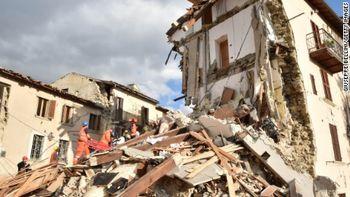 تلفات زلزله ایتالیا از 280 نفر گذشت/ 2500 نفر آواره شدهاند