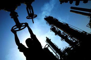 شوک کاهش قیمت نفت به شرکتهای ایرانی