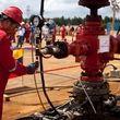 حضور ایران در ونزوئلا پررنگ تر شد/ افزایش تولید نفت ونزوئلا به کمک ایران