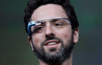 عینک گوگل به کارشناس مد سپرده شد