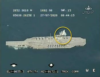 ناو آمریکا در تیررس موشکهای سپاه  /قدرتنمایی بر فراز خلیج فارس