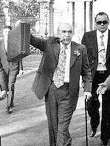 مهمترین رویدادهای اقتصادی در 6 بهمن؛ انتصاب هویدا به نخستوزیری/ برگزاری رفراندوم انقلاب سفید