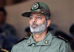 فرمانده کل ارتش با درجههای جدید سرلشگری + عکس