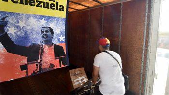 آمریکا: در صورت سقوط رژیم مادورو، به ونزوئلا دلار تزریق میکنیم