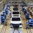 بزرگترین خودروساز روسیه از فردا تولید را از سر میگیرد