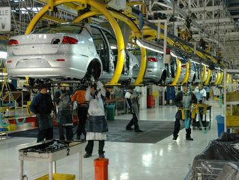 ادامه مذاکرات خودرویی ایران با روسیه