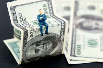 دلار فرو می ریزد؟