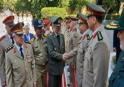 وزیر دفاع از چند مرکز نظامی در چین بازدید کرد