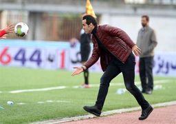 علی کریمی برای کمک به همشهریانش آستین بالا زد