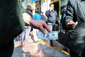 دلار به خط قرمز نزدیک است
