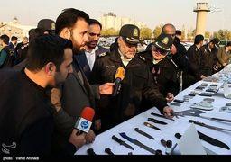 سلاح های کشف شده از اراذل تهران + عکس