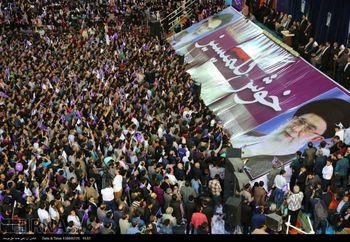 روحانی در تبریز : روحانی به دنیا فحاشی نمی کند / من بسیجی سال 59 هستم