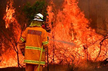 آتشسوزی ساختمان مسکونی ۱۲ واحدی در شهرری