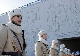 ولادمیر پوتین در میان دختران ارتش سرخ + عکس