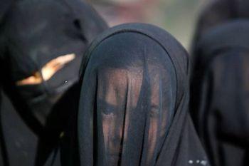 تعداد زنان ایزدی که داعش به بردگی برد + عکس