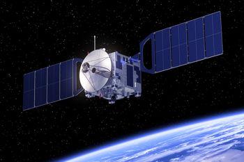 تعقیب ماهواره جاسوسی آمریکایی ها توسط روس ها +عکس