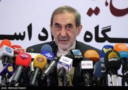 واکنش شدید اللحن علی اکبر ولایتی به آتش زدن پرچم ایران