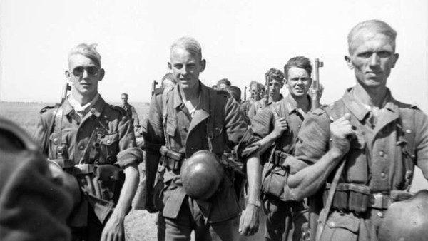 ۱۰ اشتباه بزرگ آدولف هیتلر در جنگ جهانی دوم که موجب شکست نازی ها شد + تصاویر