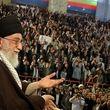 واکنش متفاوت رهبر انقلاب به شعار «جانم فدای رهبر» نیروهای نظامی و جشن تولد گرفتن برای ایشان