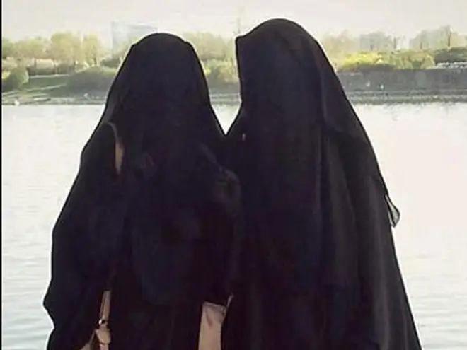 داستان برده جنسی که داعشیها با چکش او را کشتند!/ شباهت داستان مولر و دختر اتریشی؛ چرا این دو اسیر ابتدا اعلام رضایت کردند؟