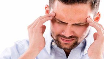 اگر به سردرد میگرنی مبتلا هستید این خوراکیها را نخورید