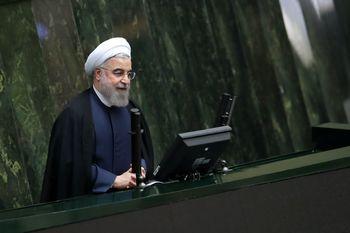 روحانی در مجلس: چرا برخی حنجره خود را به برنامه دشمن عاریه میدهند؟/ تصمیمی برای مذاکره دوجانبه با آمریکا نداریم