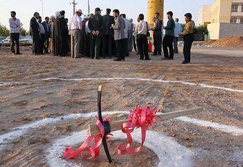 بار مالی ٥٠٠ هزار میلیاردی کلنگزنیهای احمدینژاد