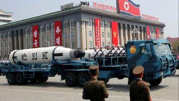 رونمایی کره شمالی از موشکهای جدید بالستیک قارهپیما+ عکس